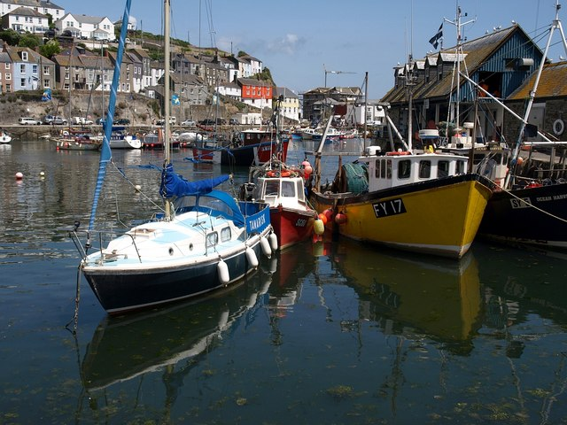 Mevagissey Harbour - geograph.org.uk - 1388980