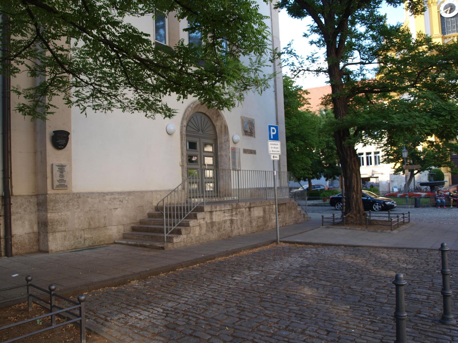Motorradparkplatz Kitzingen Kaiserstraße Landratsamt