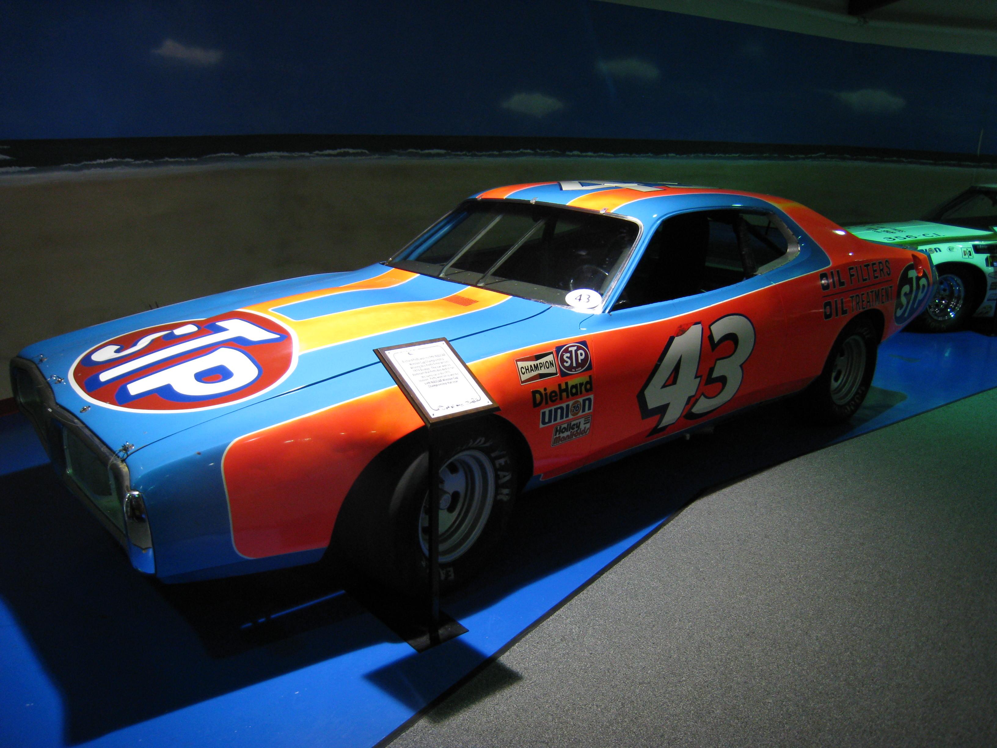 File:NASCAR 43.jpg - Wikimedia Commons