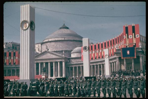 Basilique San Francesco di Paola en 1938 lors de la visite d'Hitler à Naples.