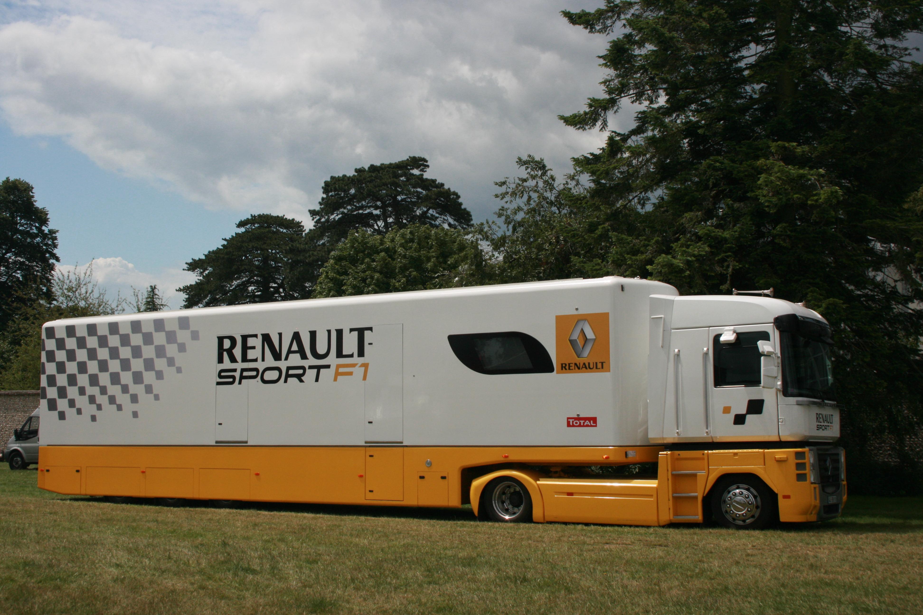 file renault sport f1 transporter flickr. Black Bedroom Furniture Sets. Home Design Ideas