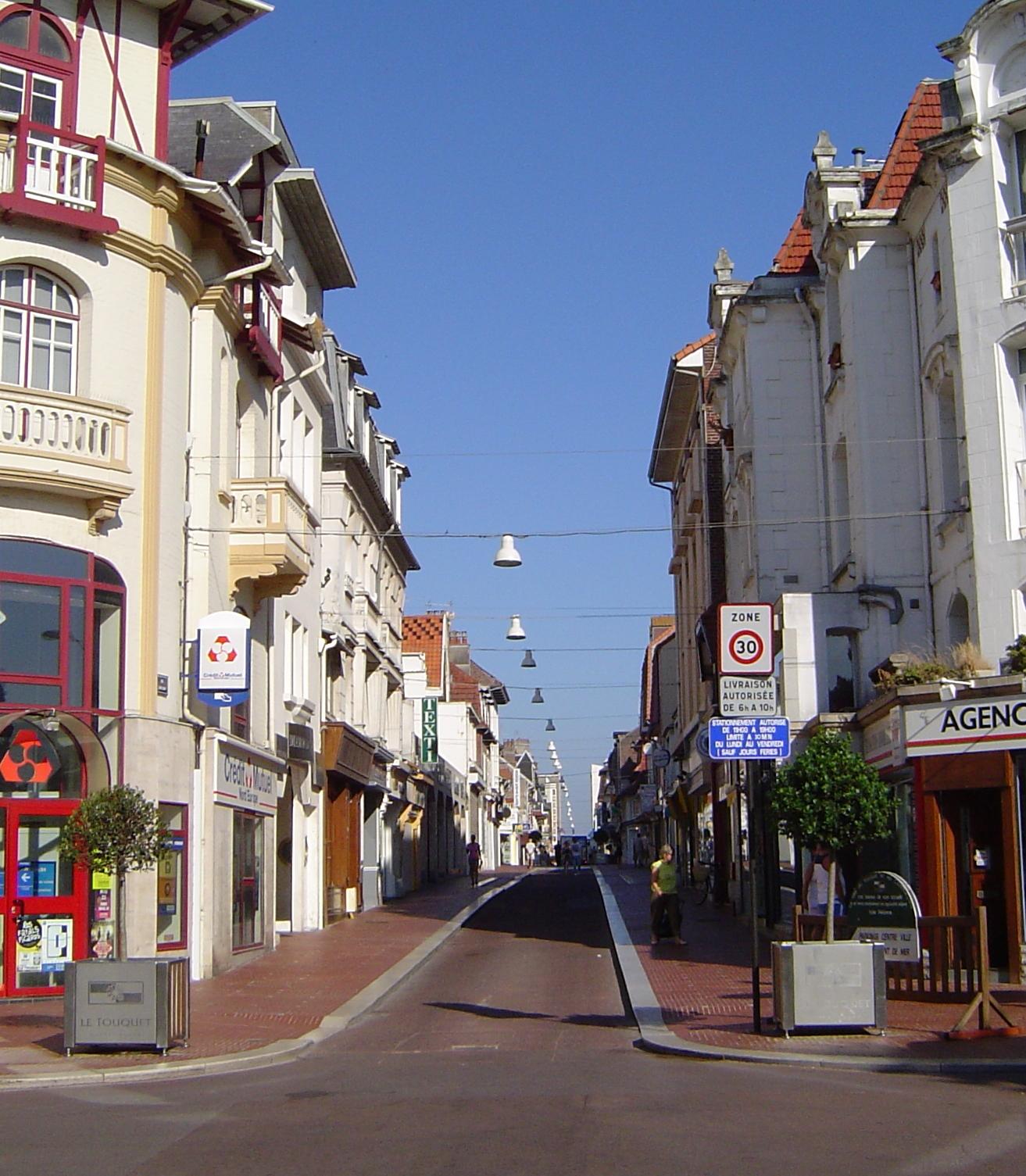 File rue saint jean au fond la wikimedia commons for Piscine le touquet