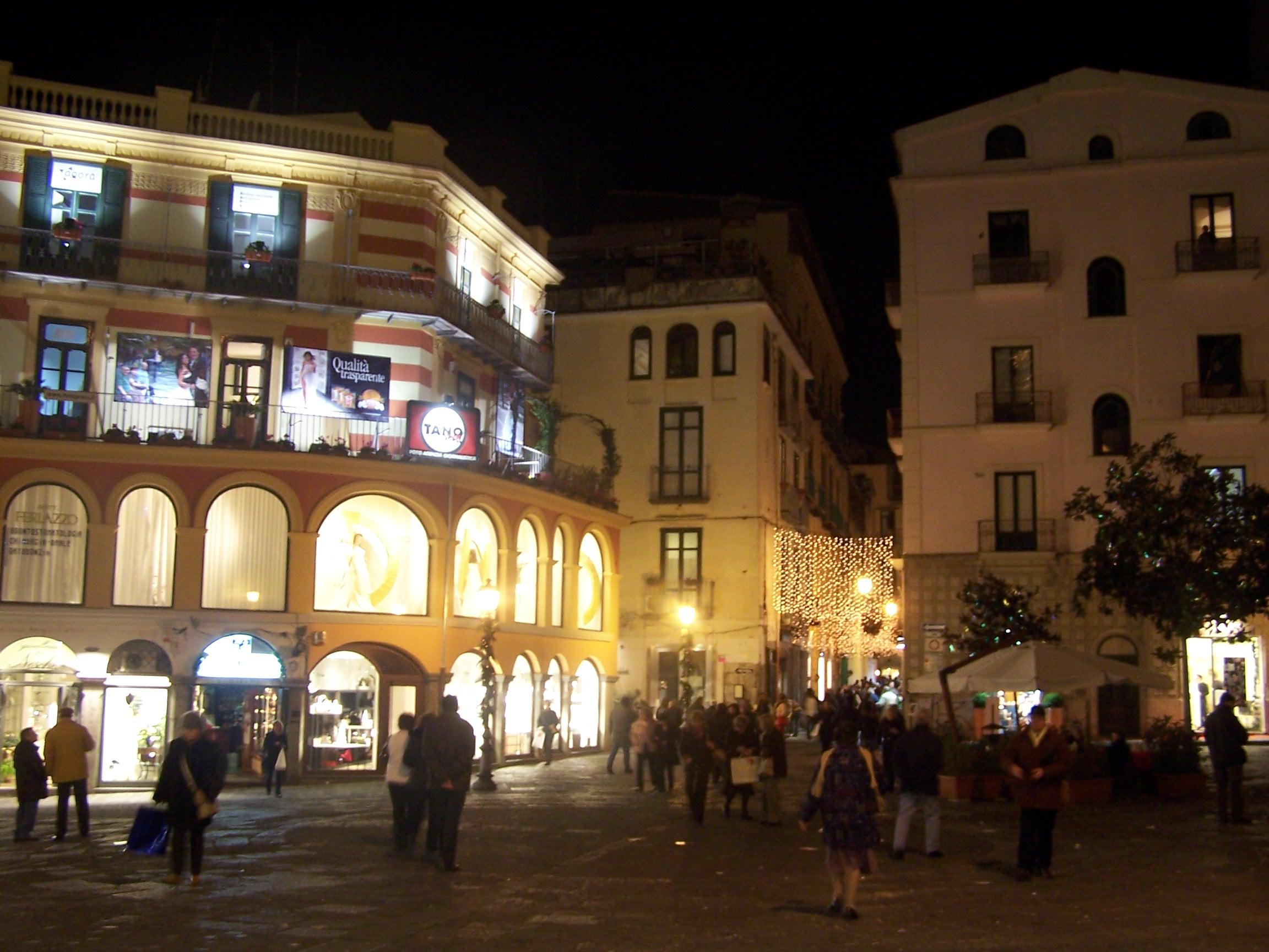 file salerno piazza wikimedia commons