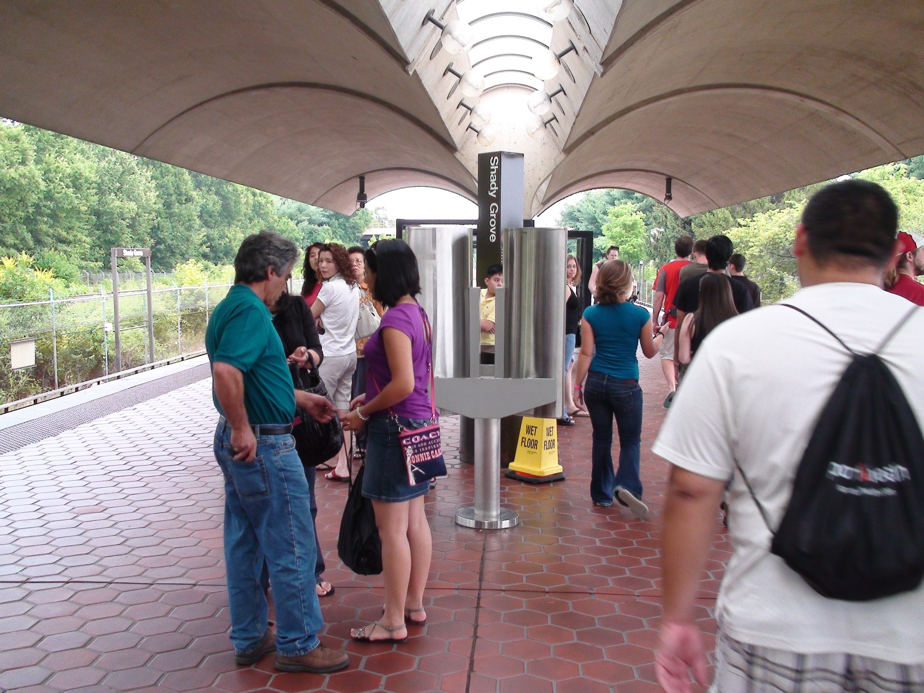File shady grove wmata station derwood maryland july 4 for Shady grove