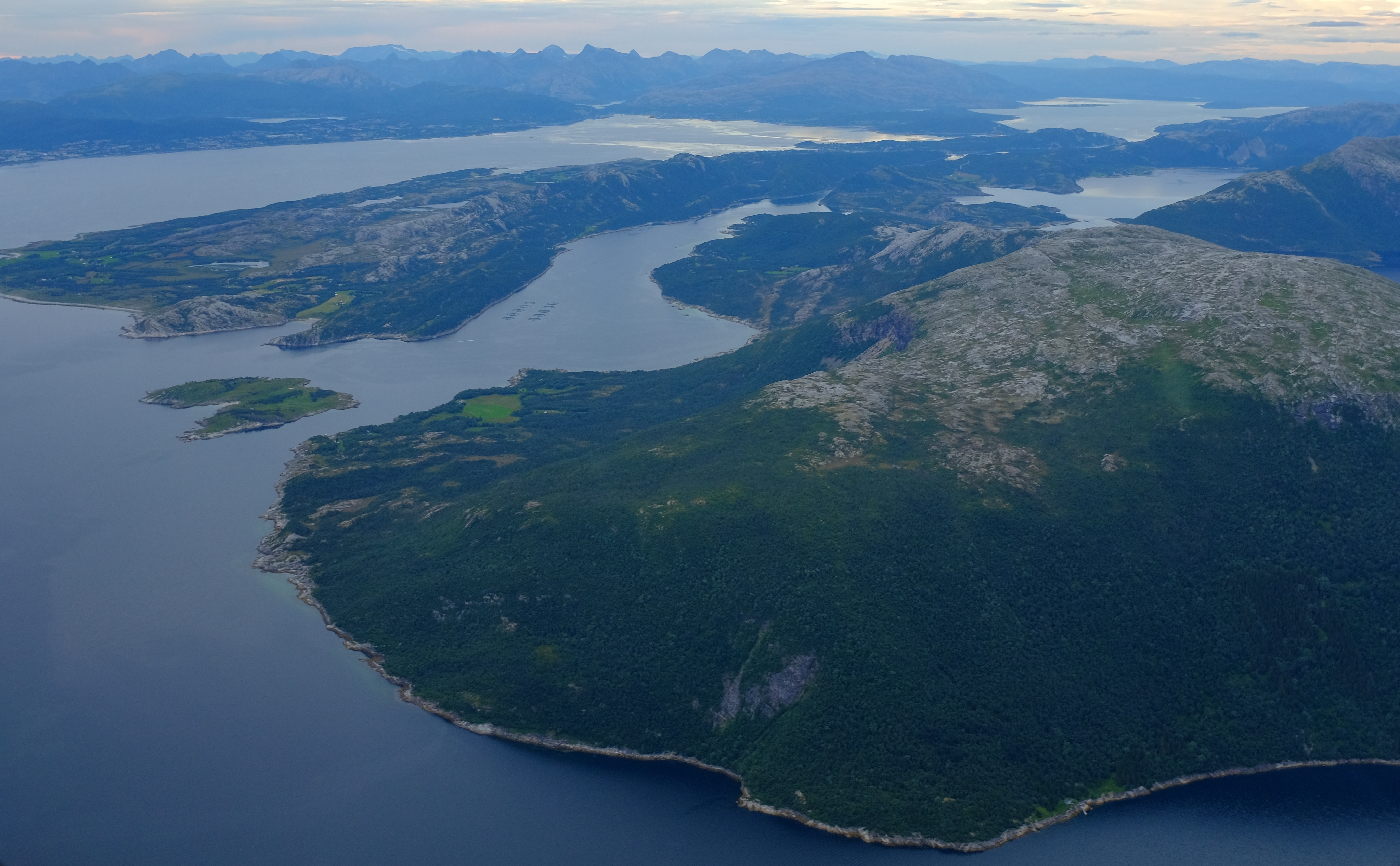 single jenter i storfjord