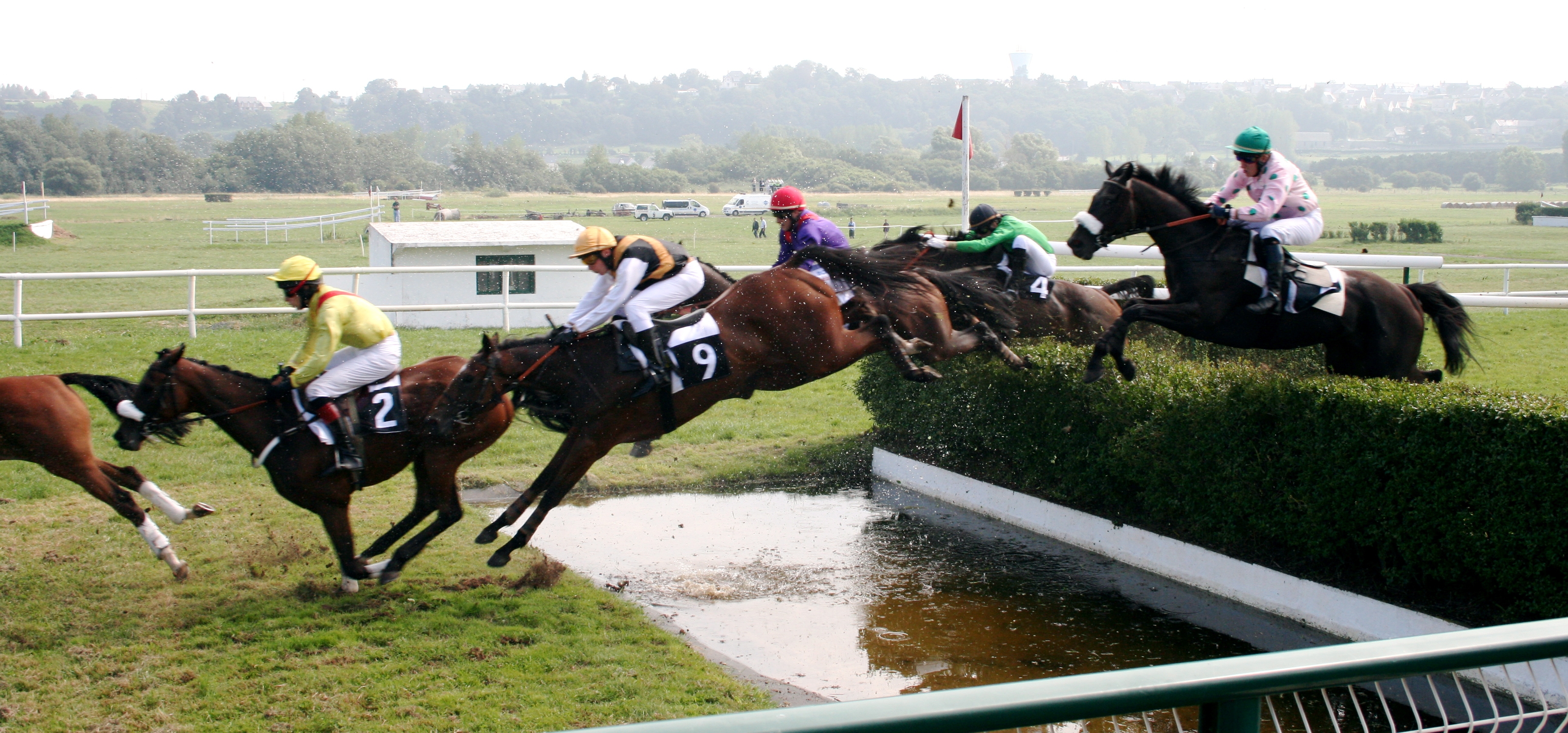 Steeplechase - Wikipedia, the free encyclopedia