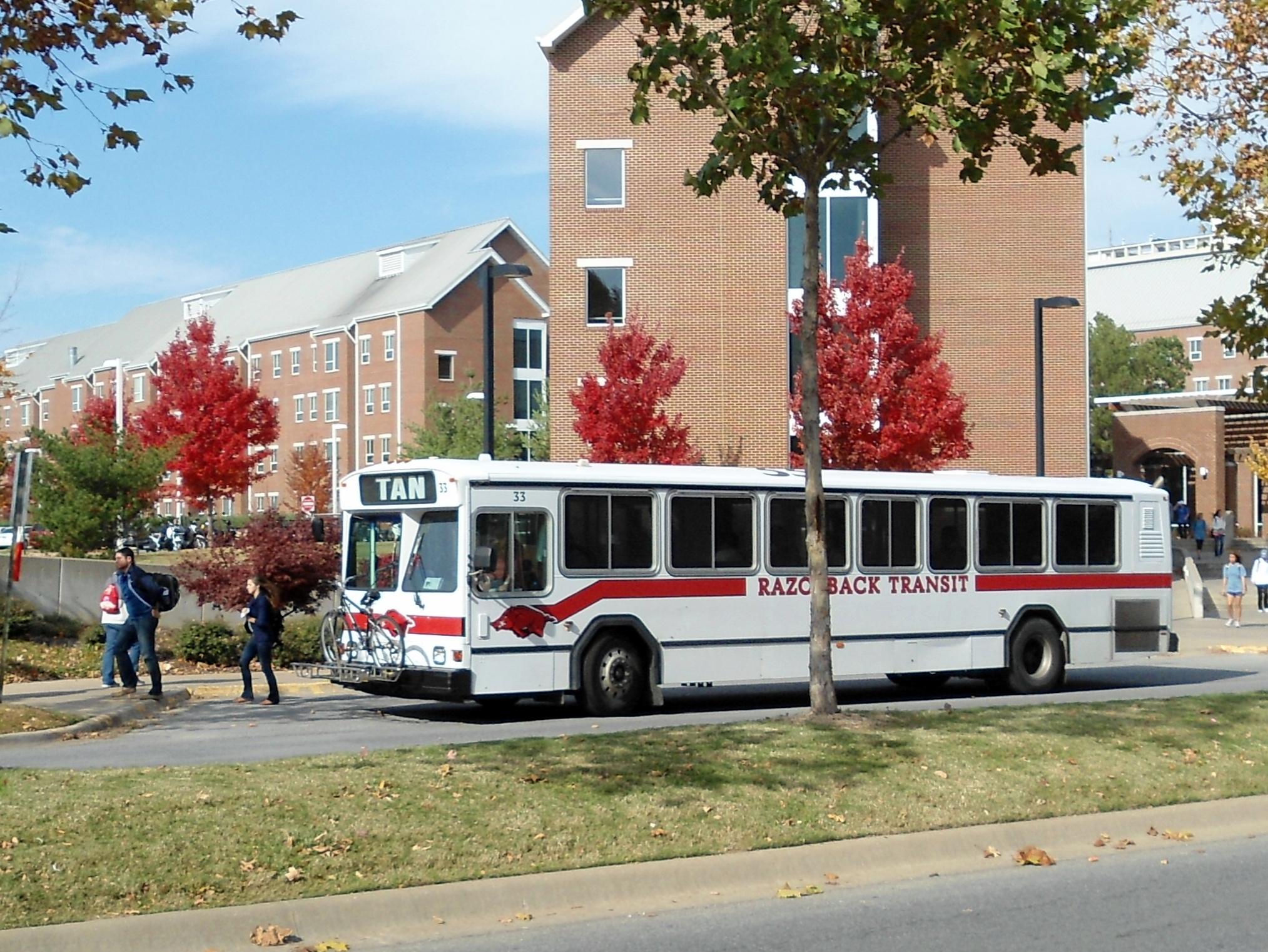 file:tan route, razorback transit makes stop at nwq - wikimedia