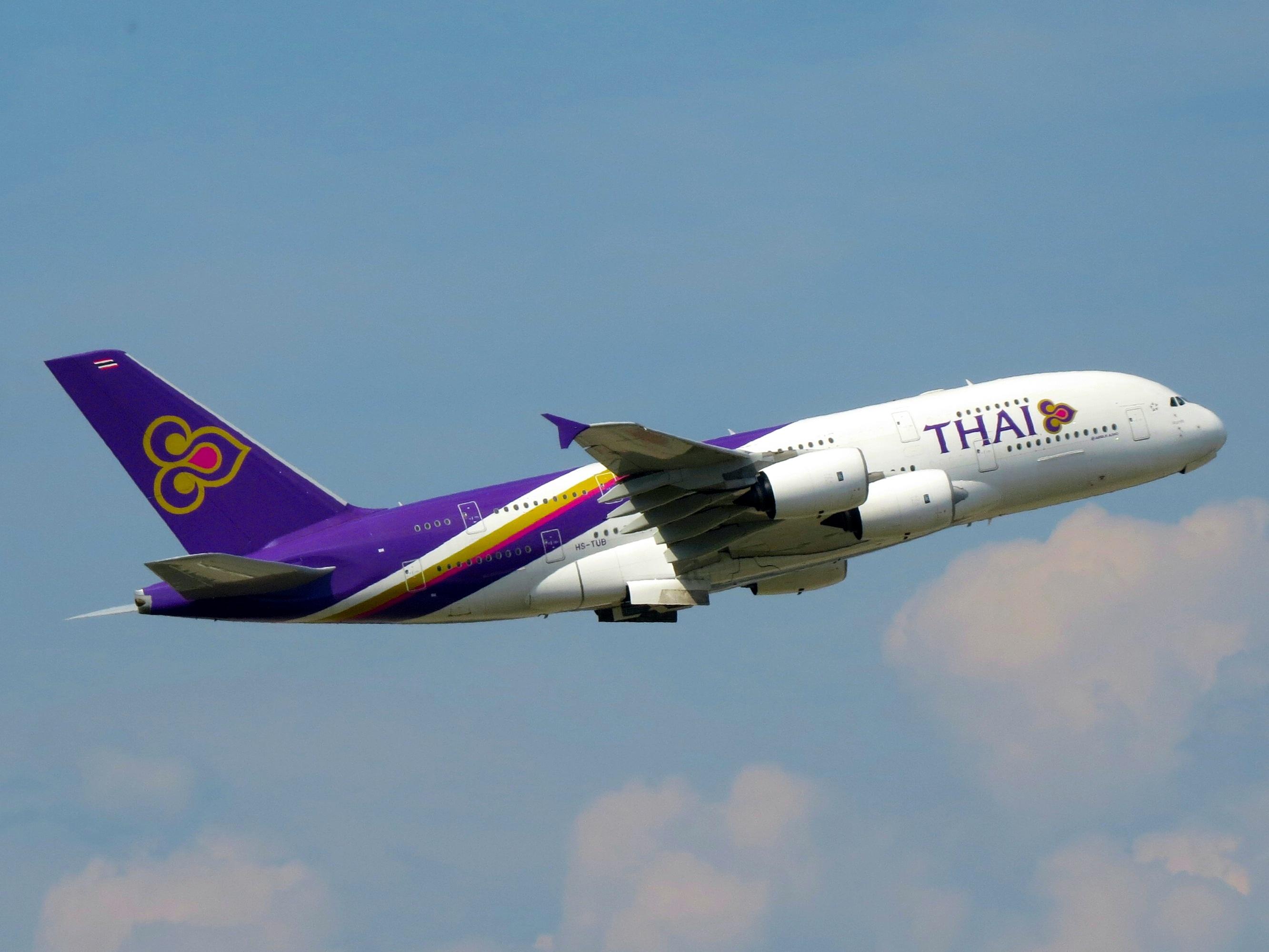 File:Thai Airways International, Airbus A380-841, HS-TUB ...