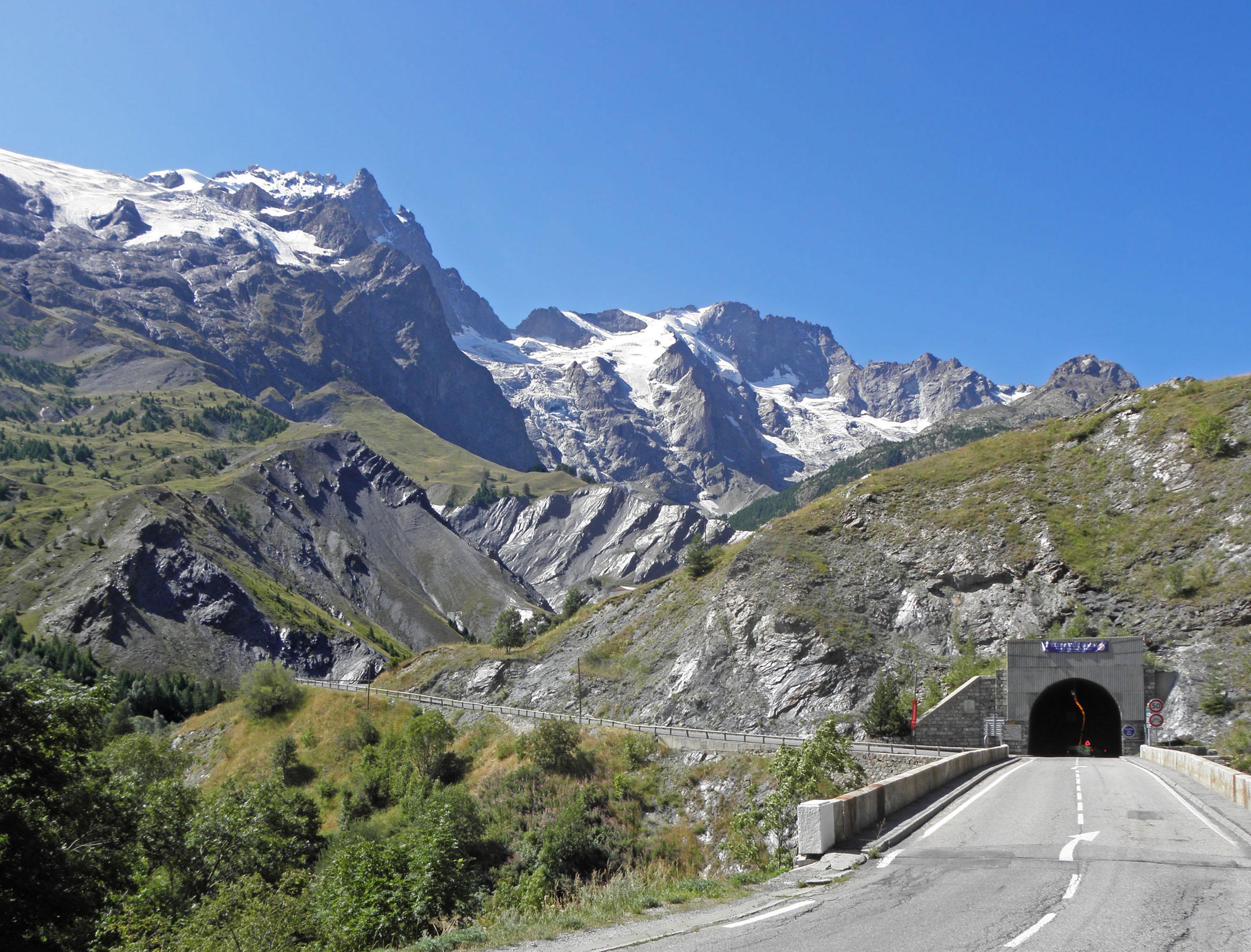 La France Hautes Alpes Short Hairstyle 2013