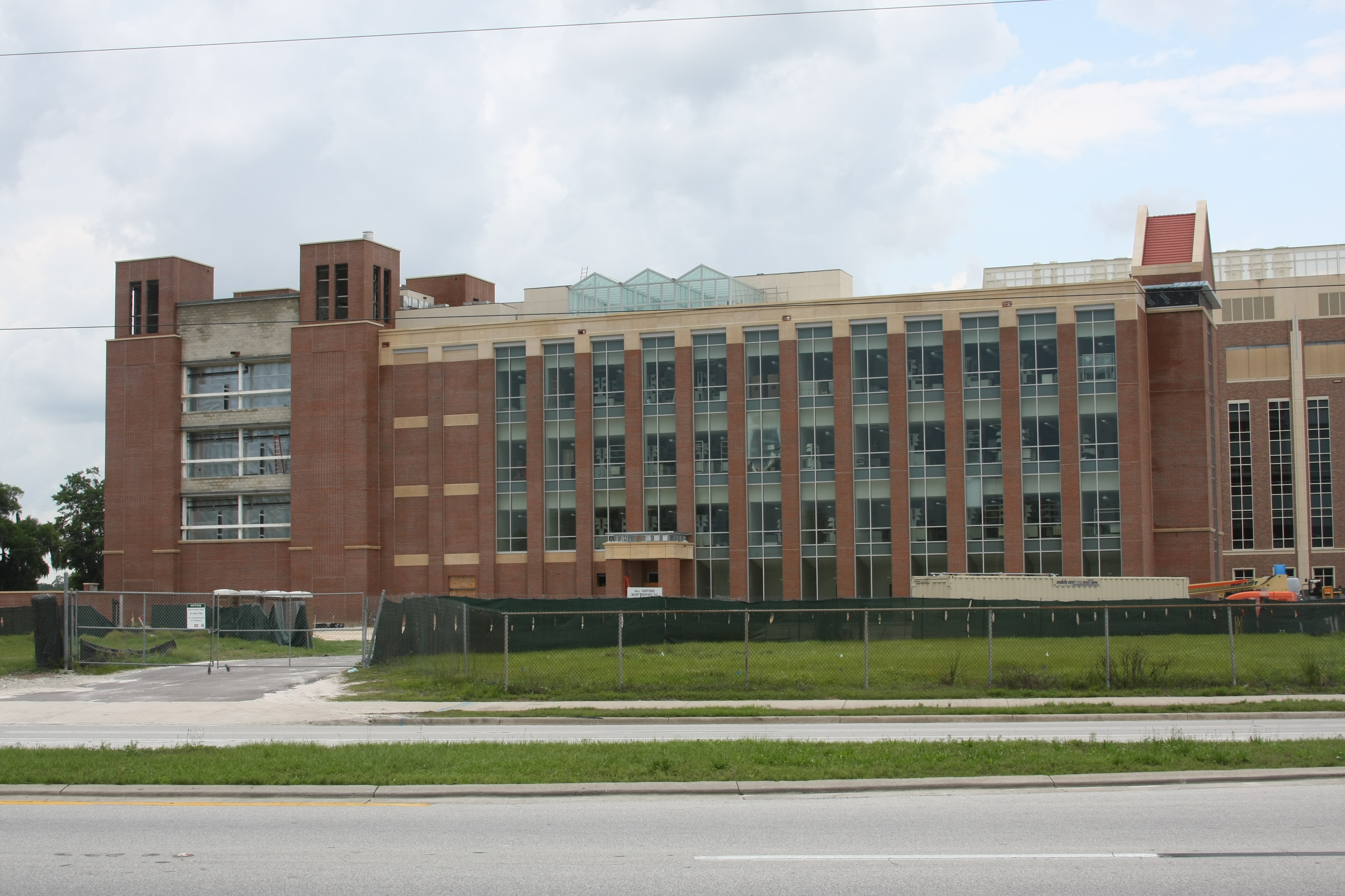 File:UF KeysResidentialComplex.jpg - Wikimedia Commons