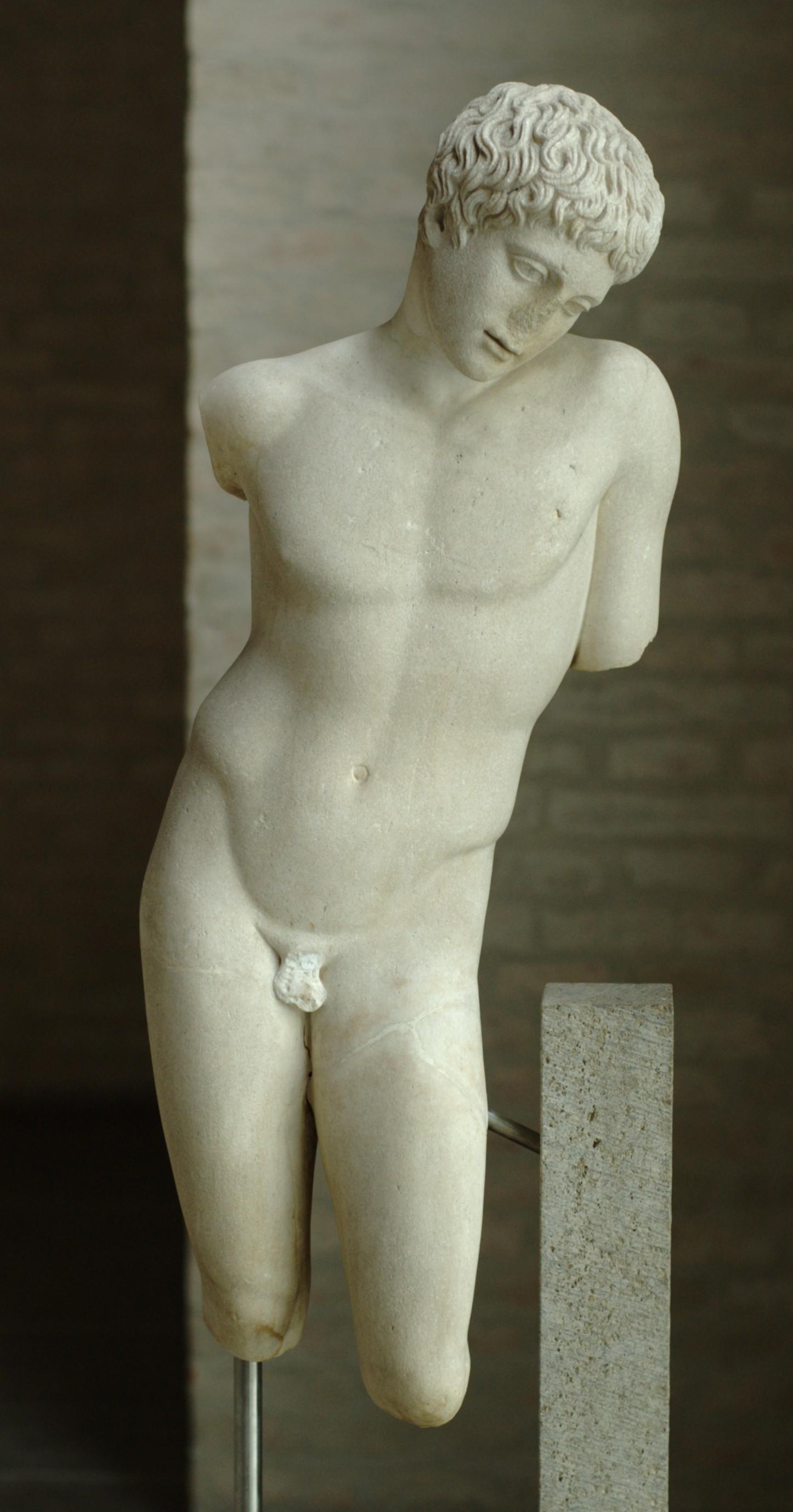 File:Victorious boy Glyptothek Munich 484.jpg - Wikimedia ...