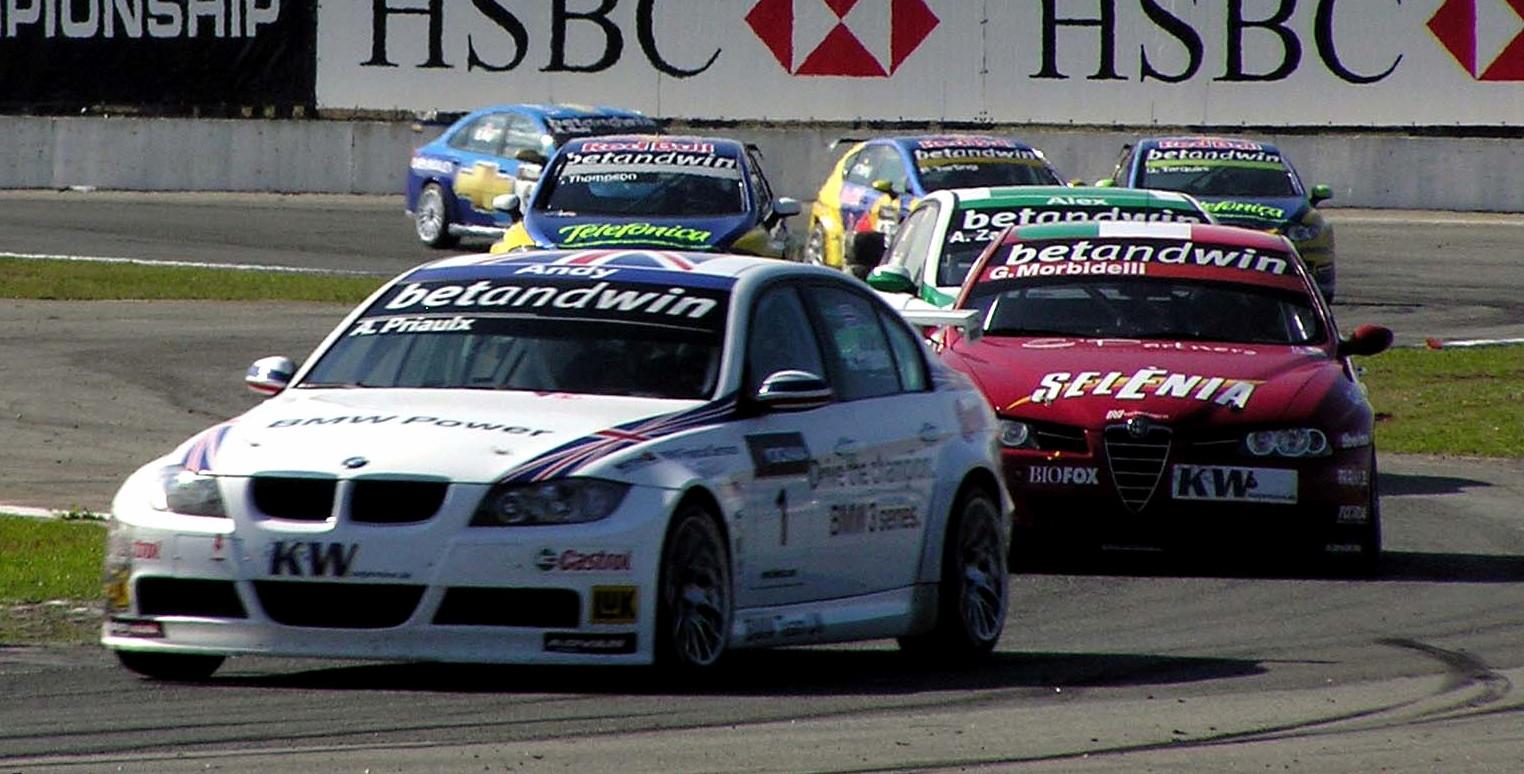 [Resim: WTCC_2006_Race_10_Curitiba_later.jpg]