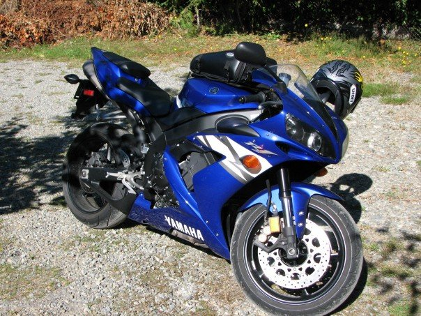 Yamaha R Logo Sticker Price