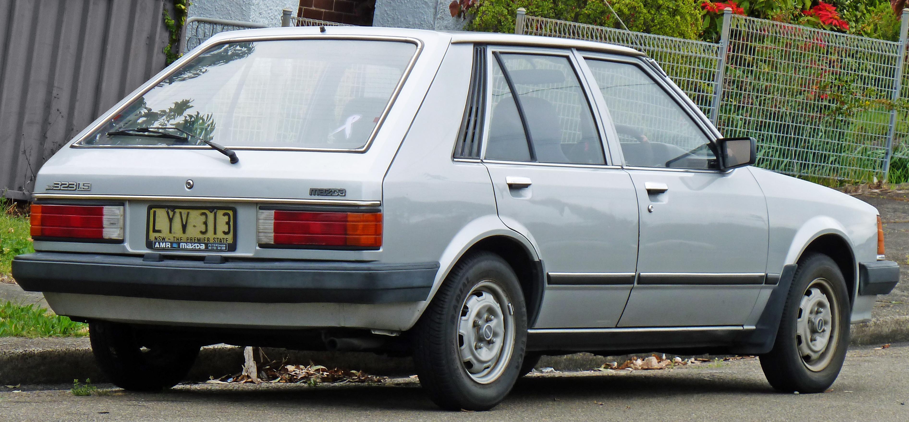 file:1980-1982 mazda 323 (bd) deluxe 5-door hatchback (2010-10-02