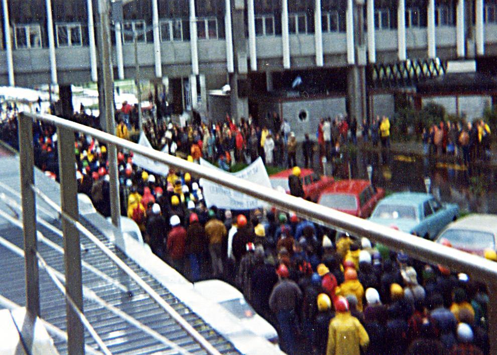 File1981 Springbok Tour Protesters At Palmerston North