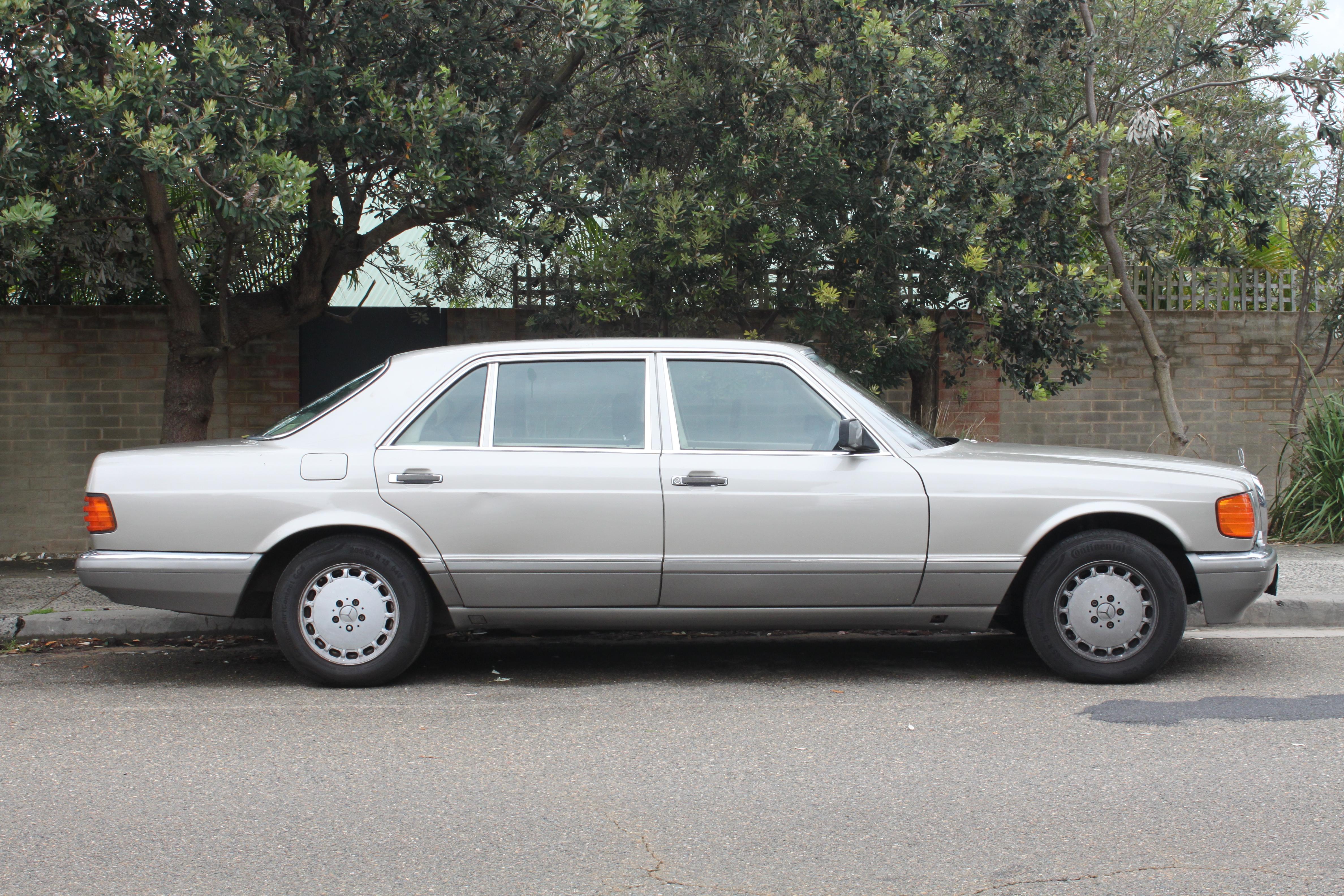 File 1989 mercedes benz 560 sel v 126 sedan 22928554339 for Mercedes benz 560 sel