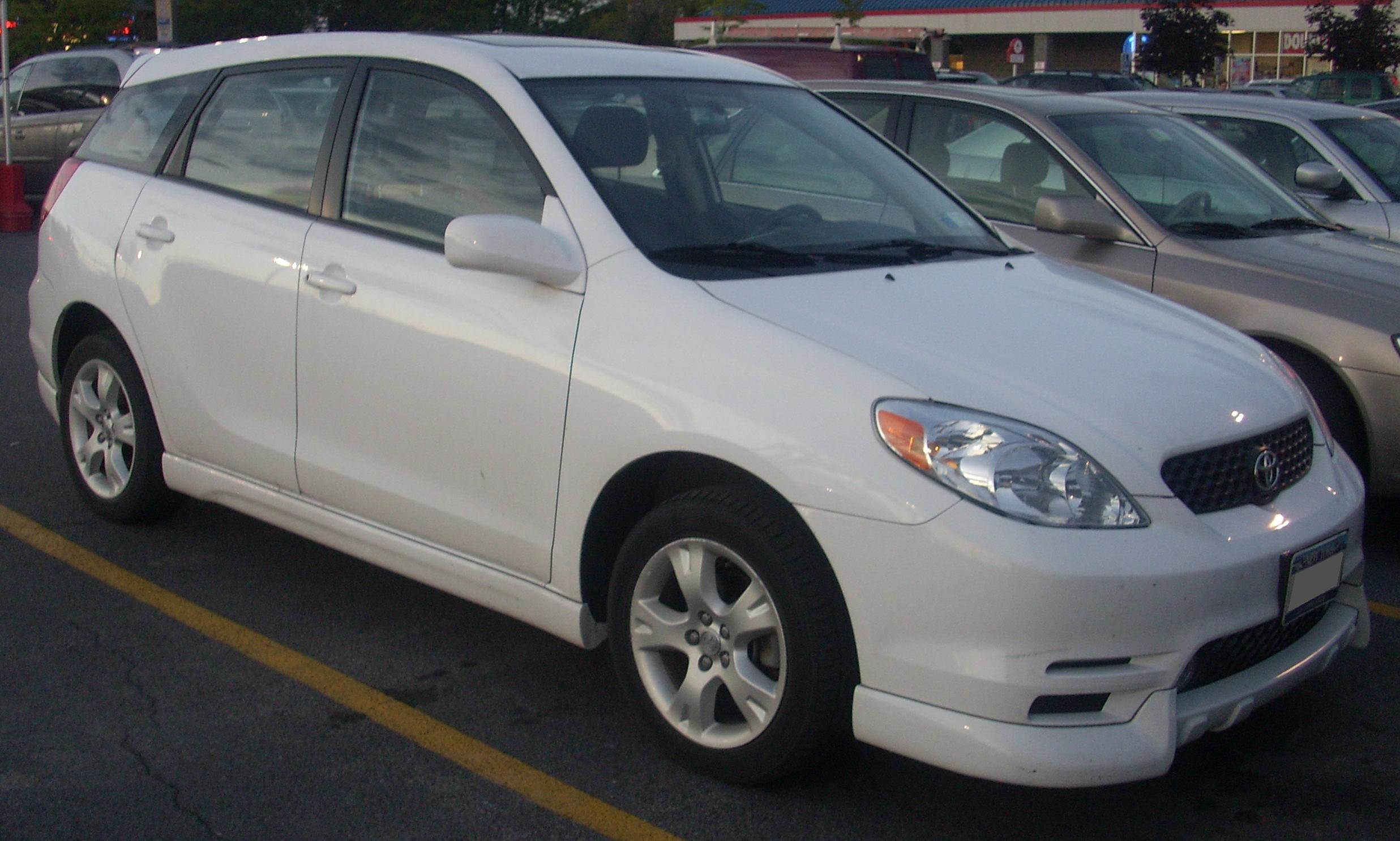 File 2003 04 Toyota Matrix Avenue Jpg Wikimedia Commons