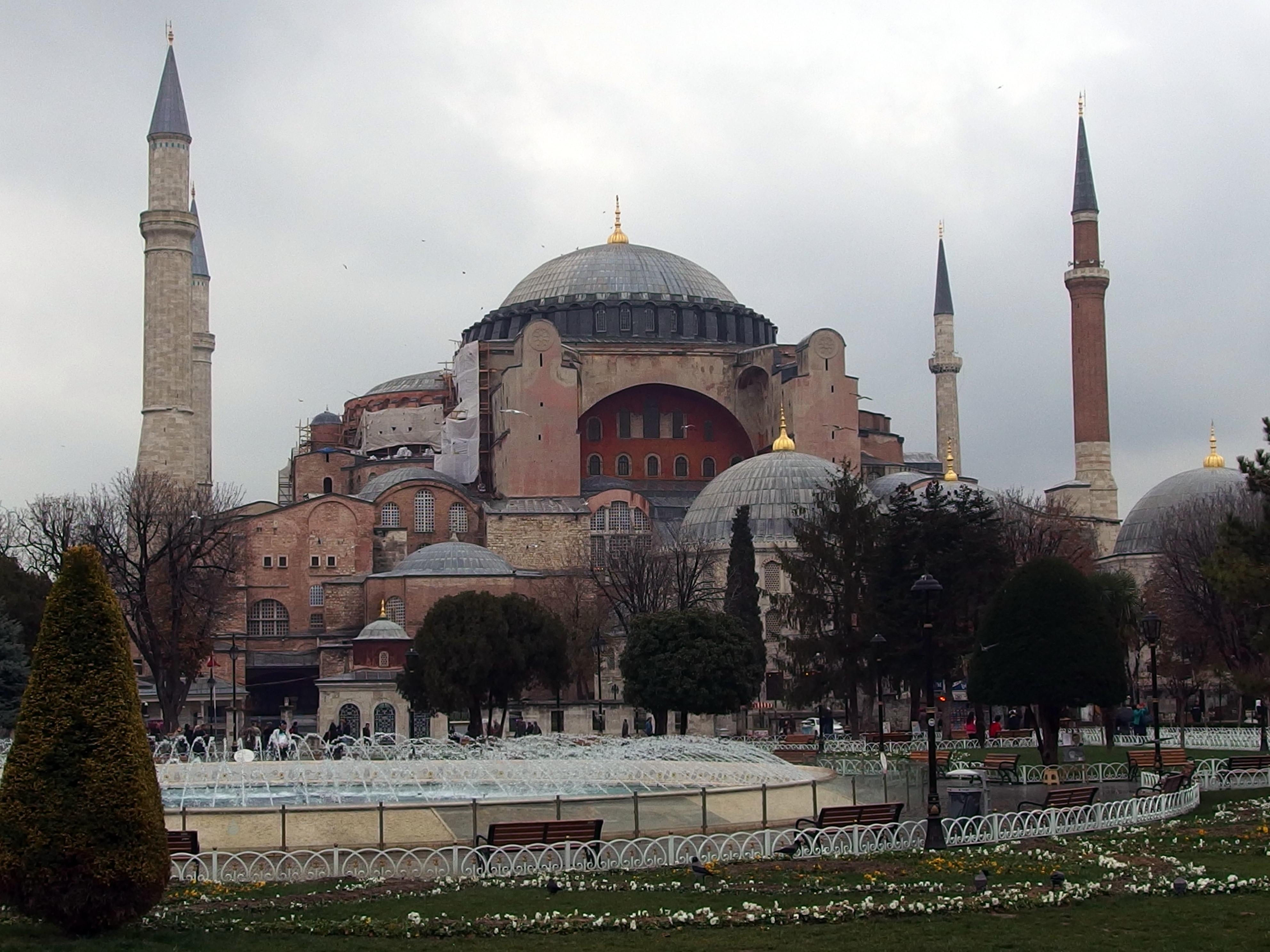 Agia Sophia: Departamentul de Stat al SUA ii cere Turciei sa pastreze semnificatia istorica a lacasului. Turcia raspunde furioasa.