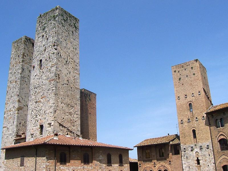 San Gimignano, Torri dei Salvucci