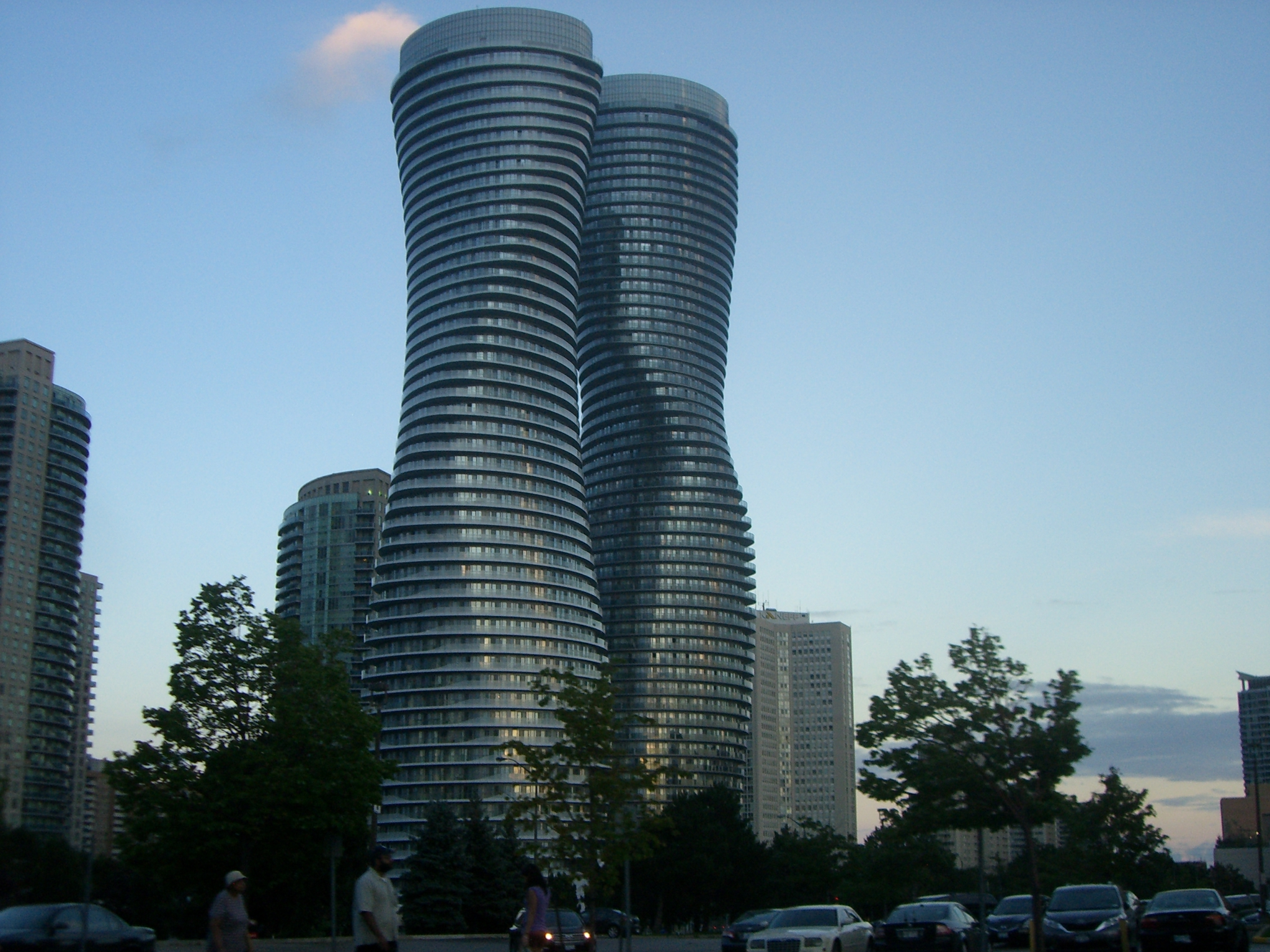 File absolute world towers 02 jpg wikimedia commons for Absolute towers