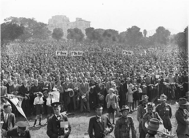file anzac day in the domain sydney 25 april ca 1930. Black Bedroom Furniture Sets. Home Design Ideas