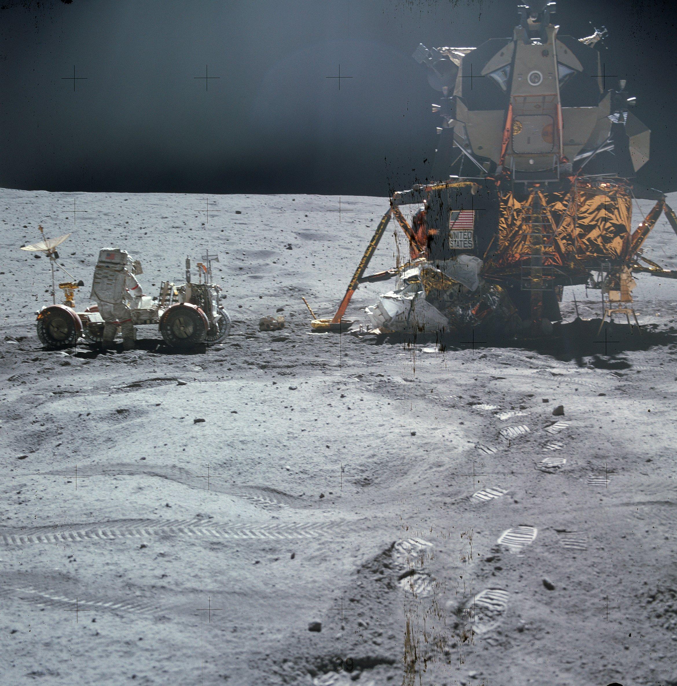 LRO: Nelle Nuove Immagini Visibili Impronte Astronauti ...