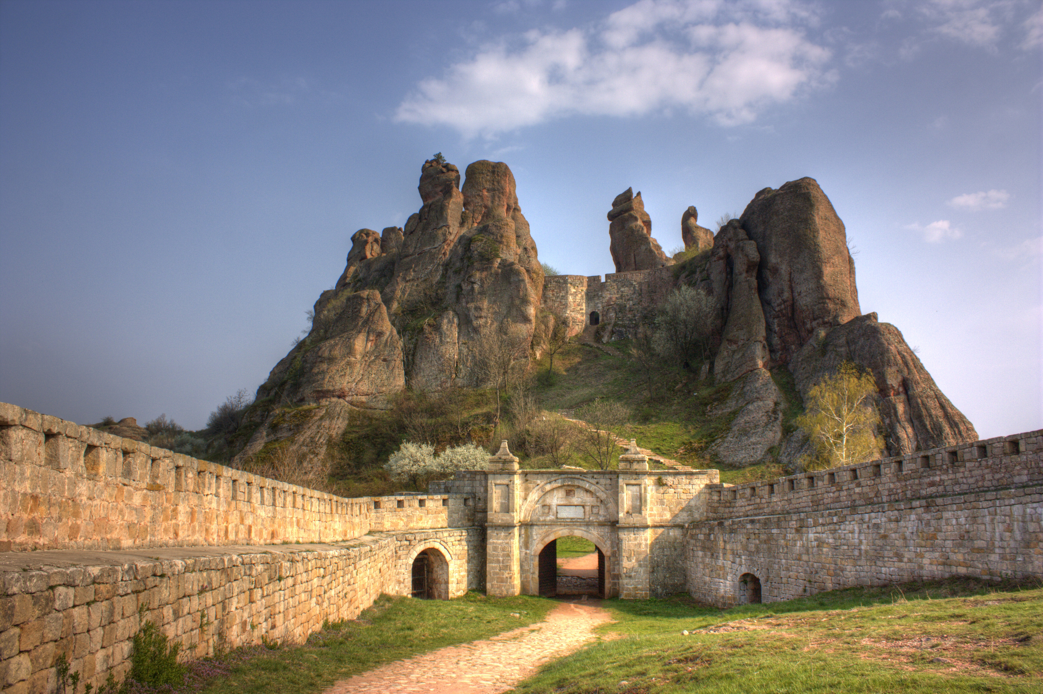 Photo : la forteresse de Belogradtchik (source : wikipedia.org)