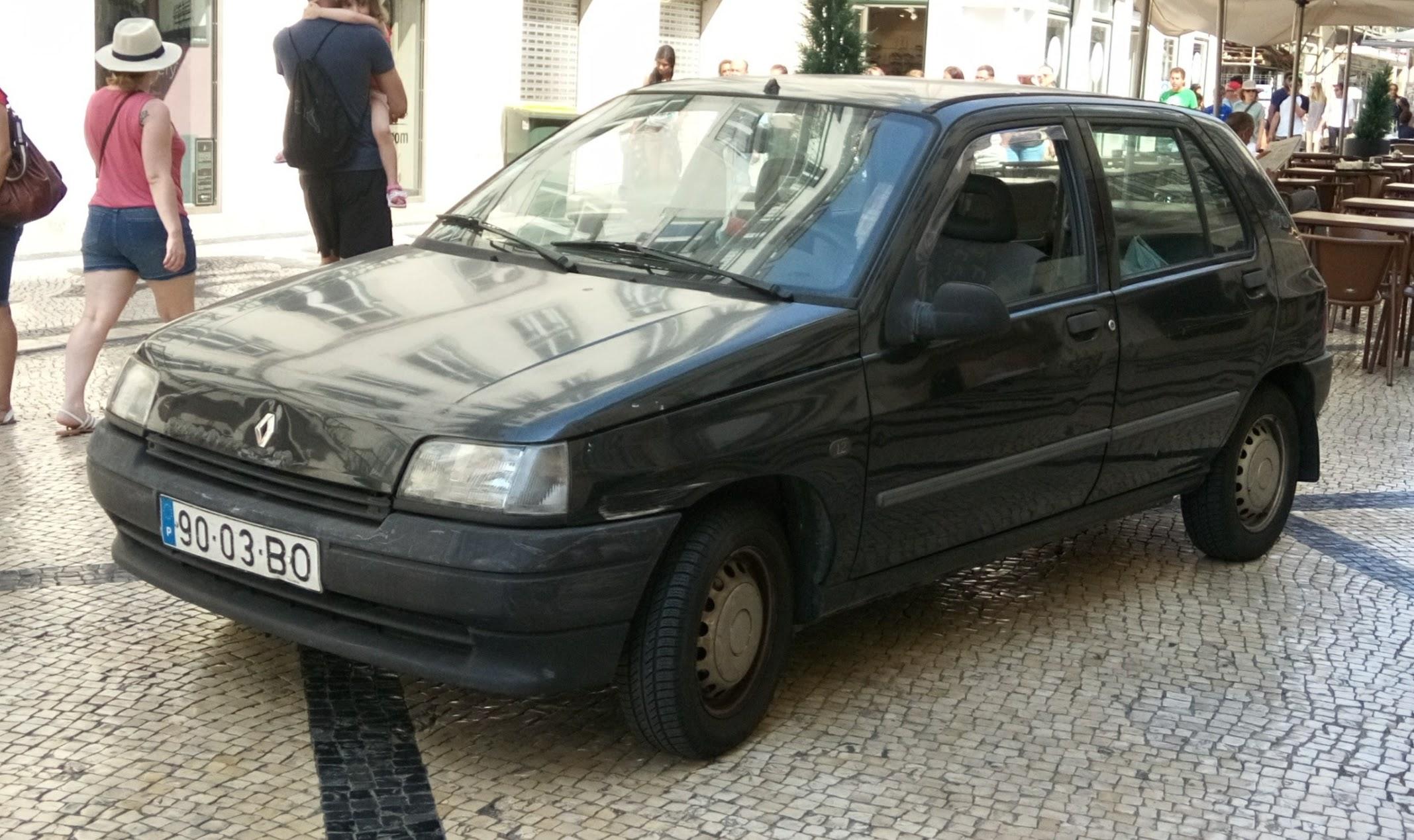 File:Black Renault Clio 1997.jpg
