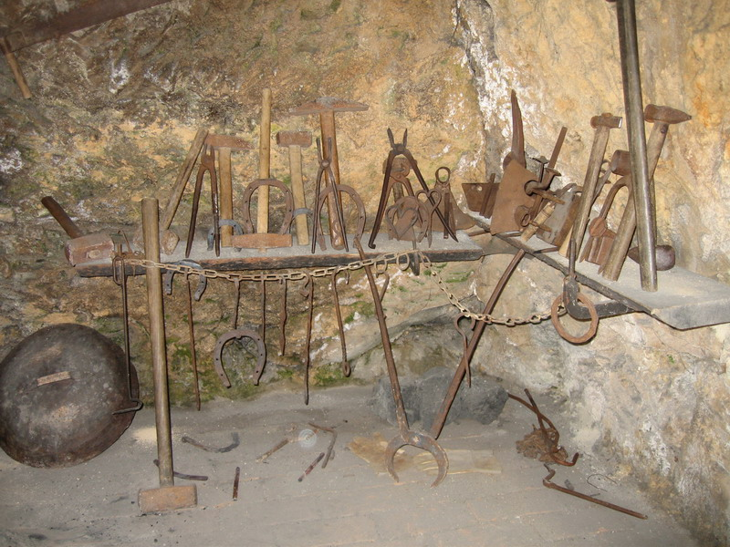File:Blacksmith tools JPG - Wikimedia Commons