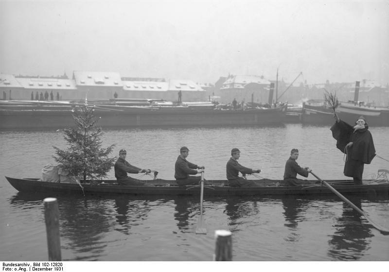 File:Bundesarchiv Bild 102-12820, Berlin, Bescherung auf der Spree.jpg