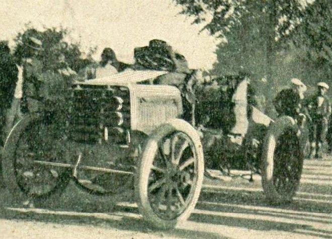 File:Carl Voigt troisième de Paris-Toulouse-Paris 1900, sur Panhard & Levassor.jpg