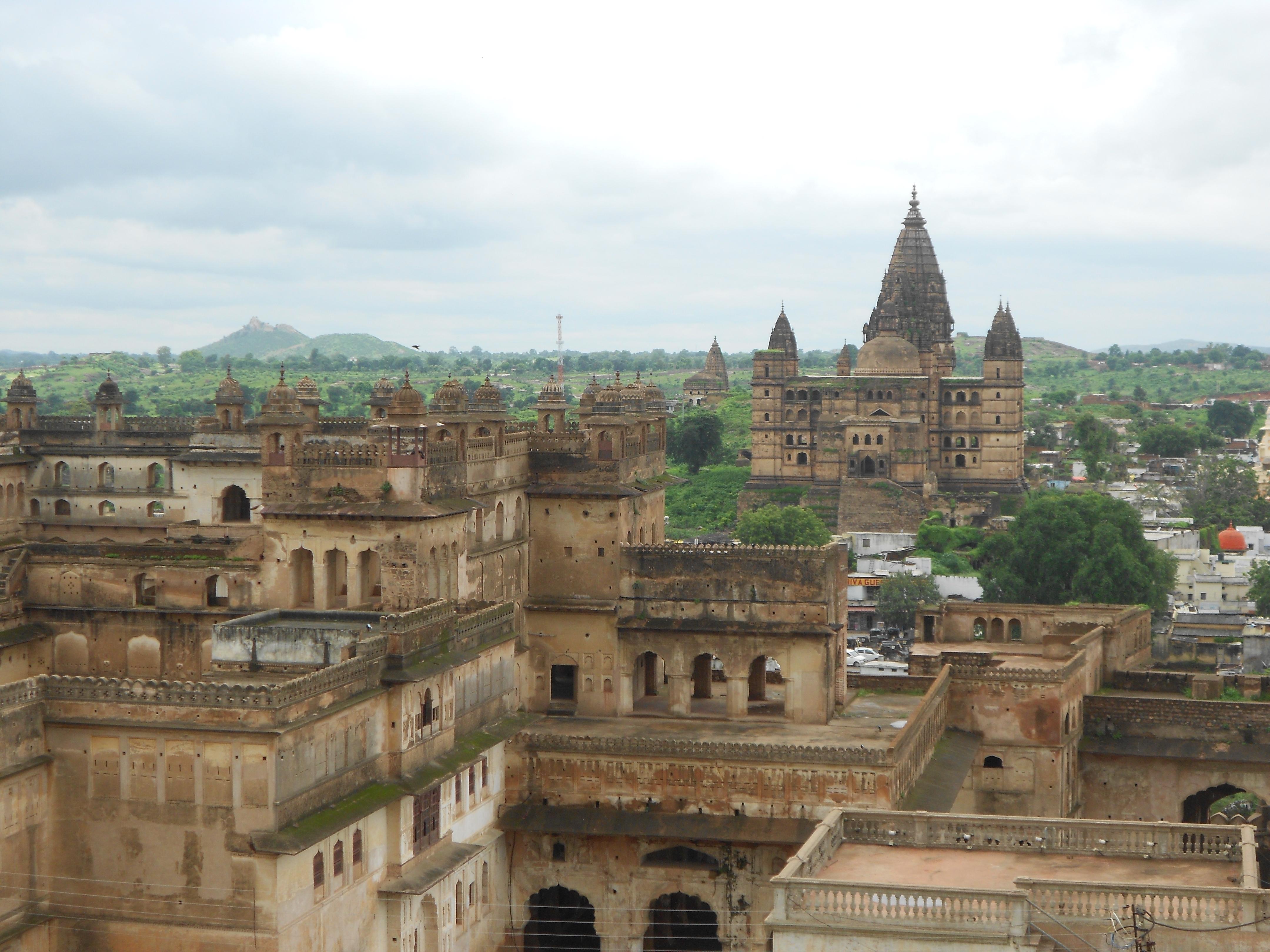 File Chaturbhuj Temple And Raja Mahal Orchha Jpg