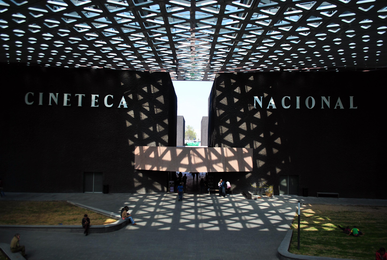 Cineteca mexicana adquiere más de 2.000 películas de Monsiváis