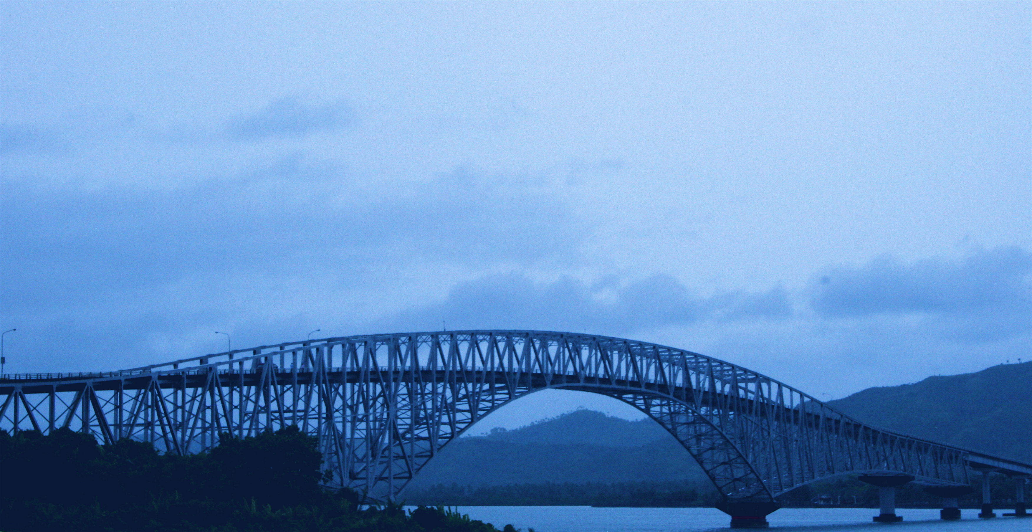 Crossing the San Juanico Bridge.jpg