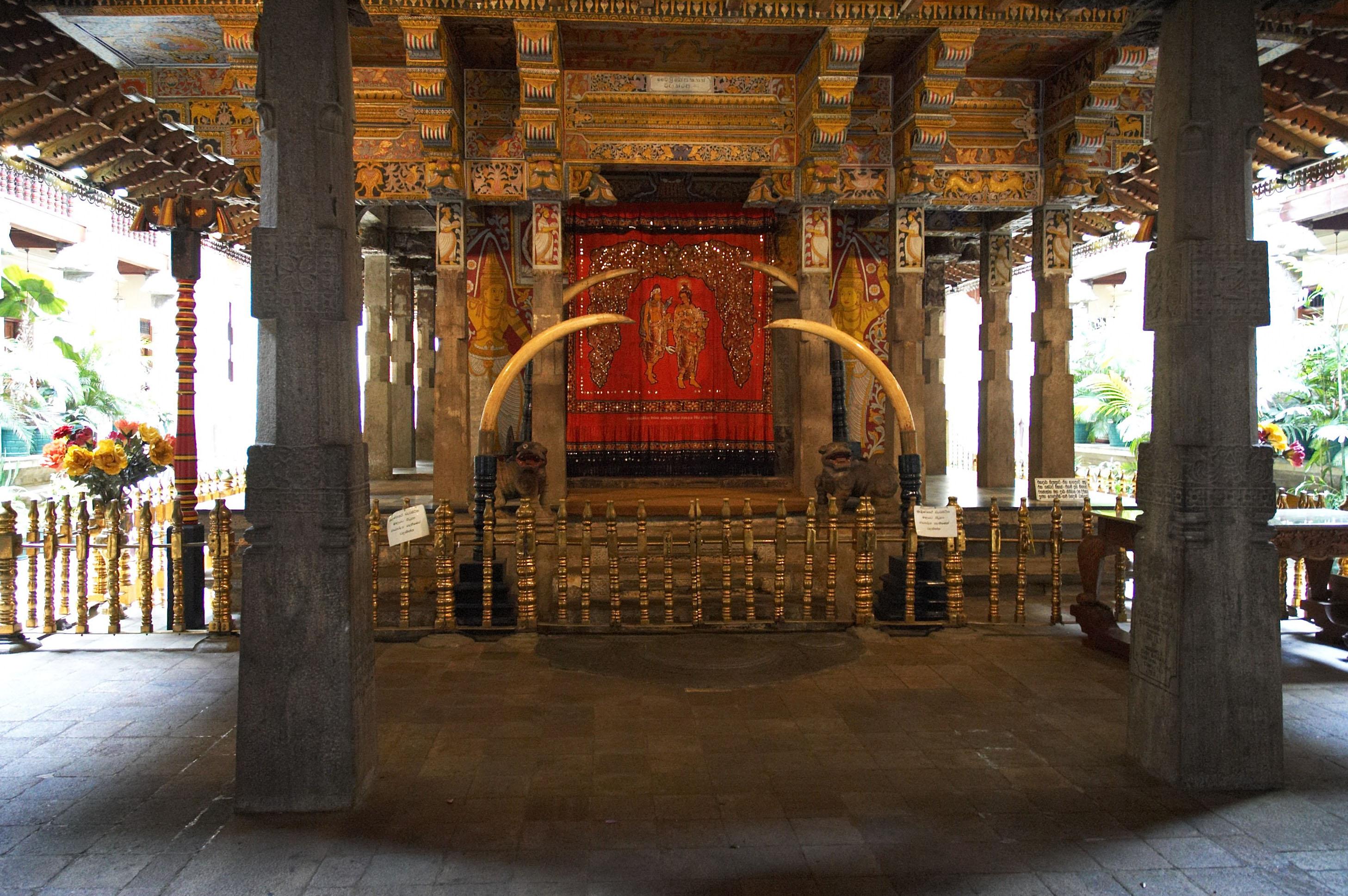Essay about dalada maligawa