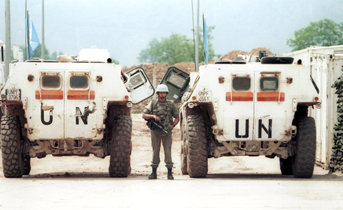 http://upload.wikimedia.org/wikipedia/commons/4/4c/Evstafiev-un-peacekeepers-sarajevo-w.jpg