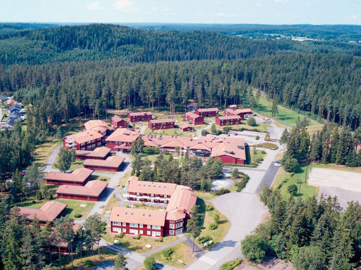 Adelfors Folkhogskola Wikipedia
