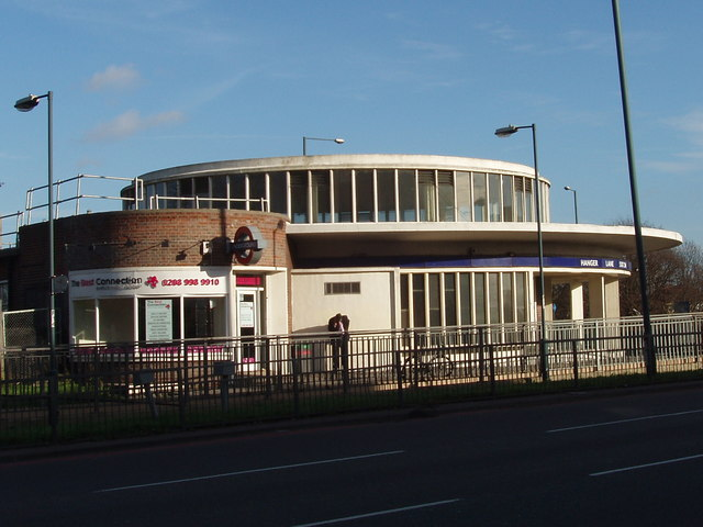 Hanger Lane Station - geograph.org.uk - 316005