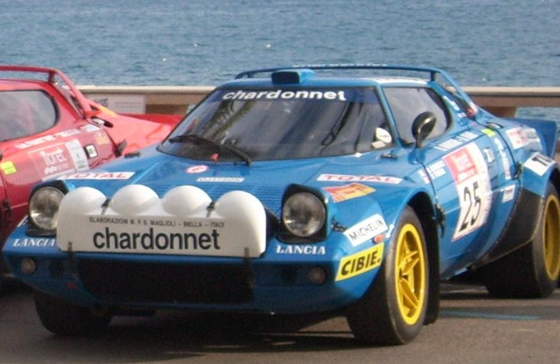 https://upload.wikimedia.org/wikipedia/commons/4/4c/Lancia_Stratos_Chardonnet.jpg?uselang=de