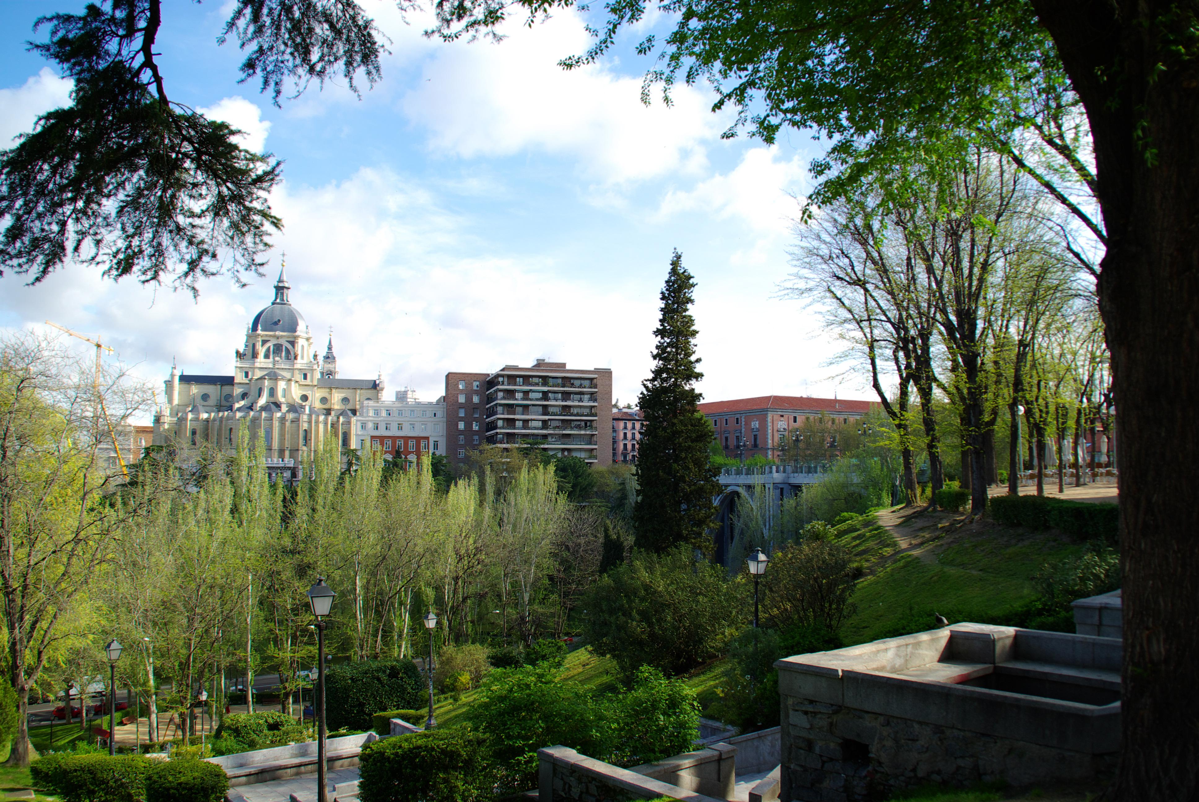 File madrid verde jardin mirador de las vistillas vistas for Jardines de las vistillas