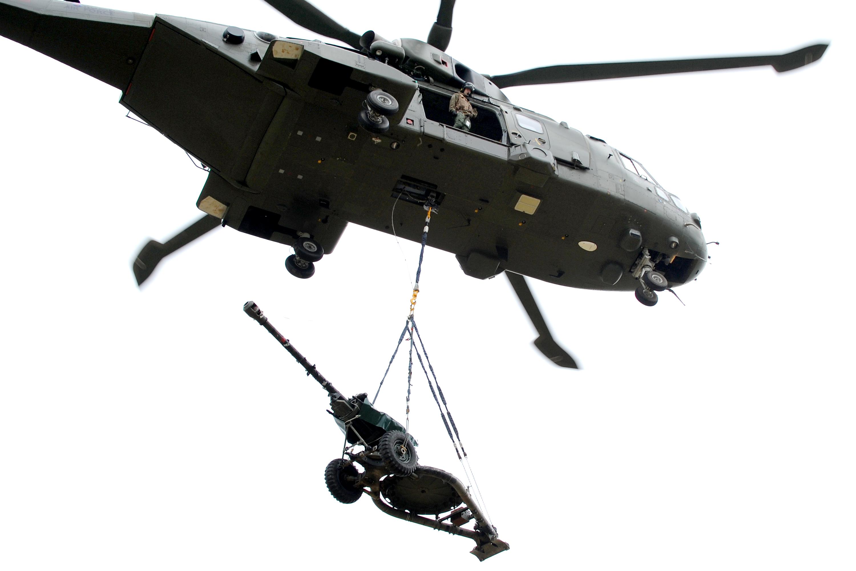 filemerlin helicopter carrying 105mm light gun mod 45155696jpg - Helicopter Mod