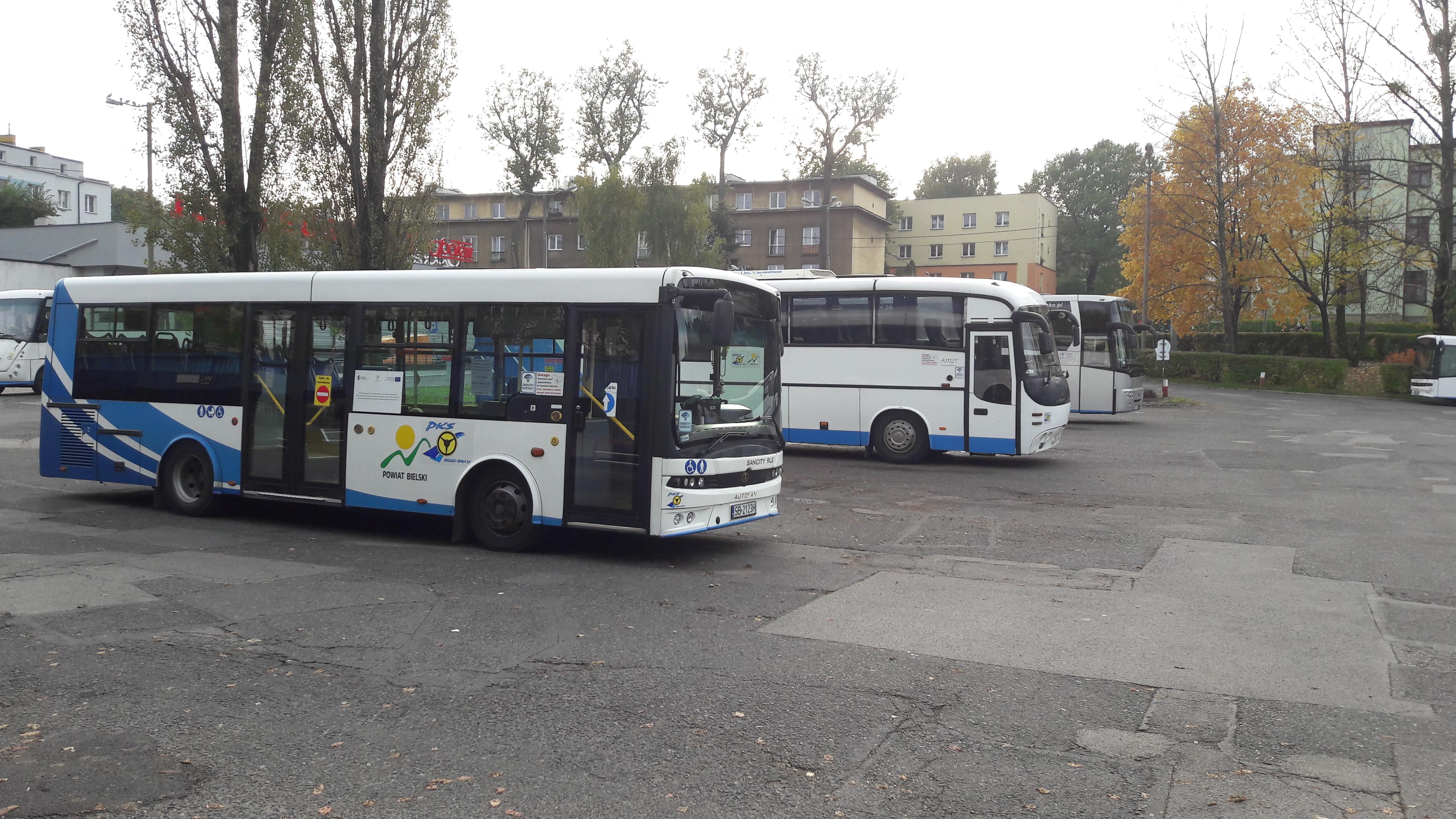 File:PKS Bielsko-Biała Volvo 9900 Autosan M09LE Autosan