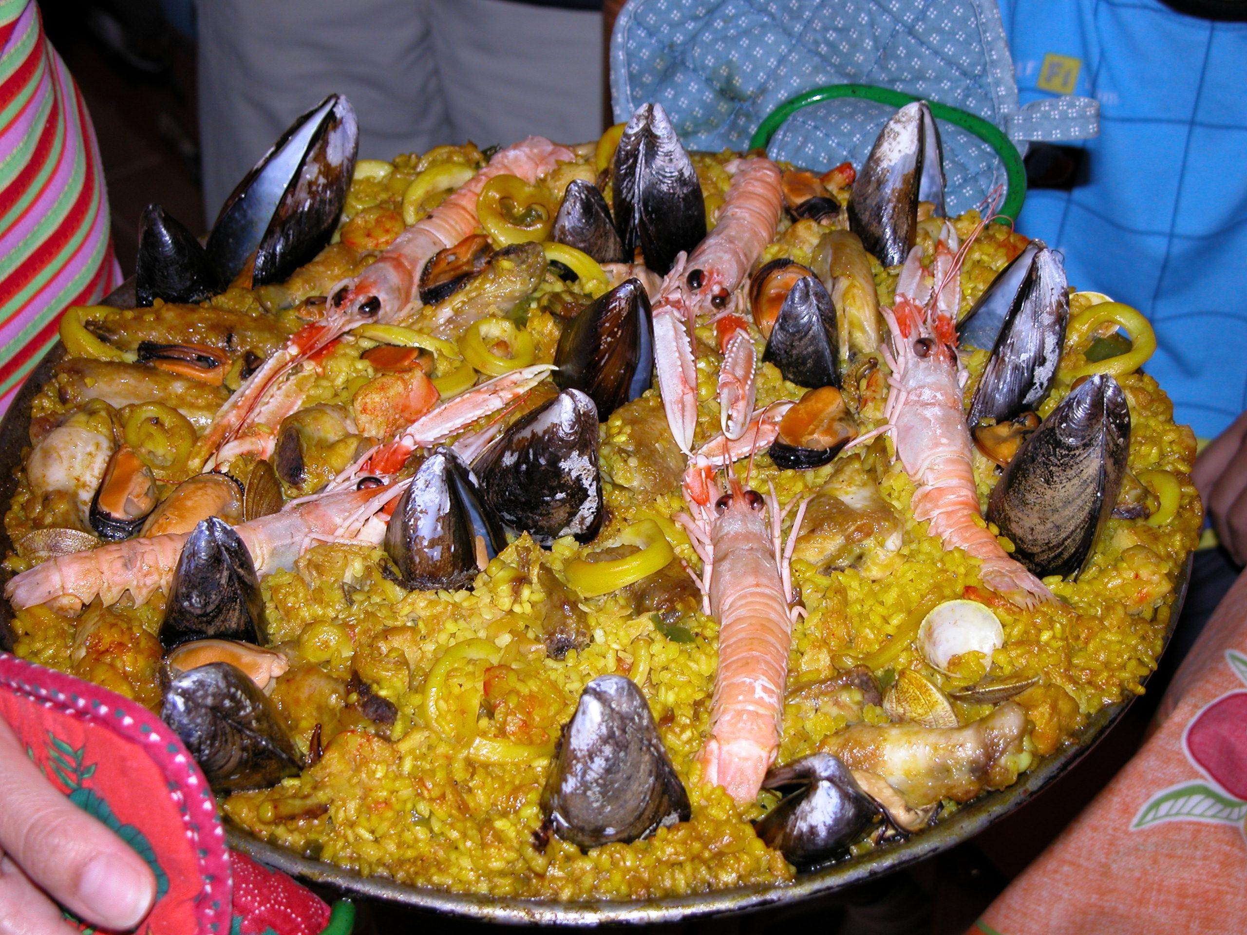 File:Paella Mixta.JPG - Wikimedia Commons