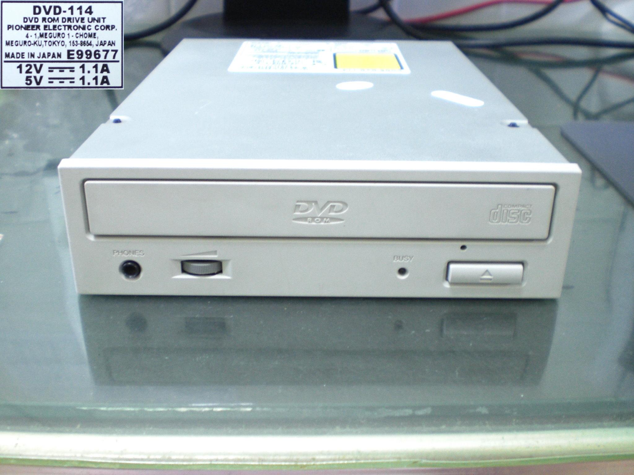 Pioneer DVD-114 2000-03.jpg