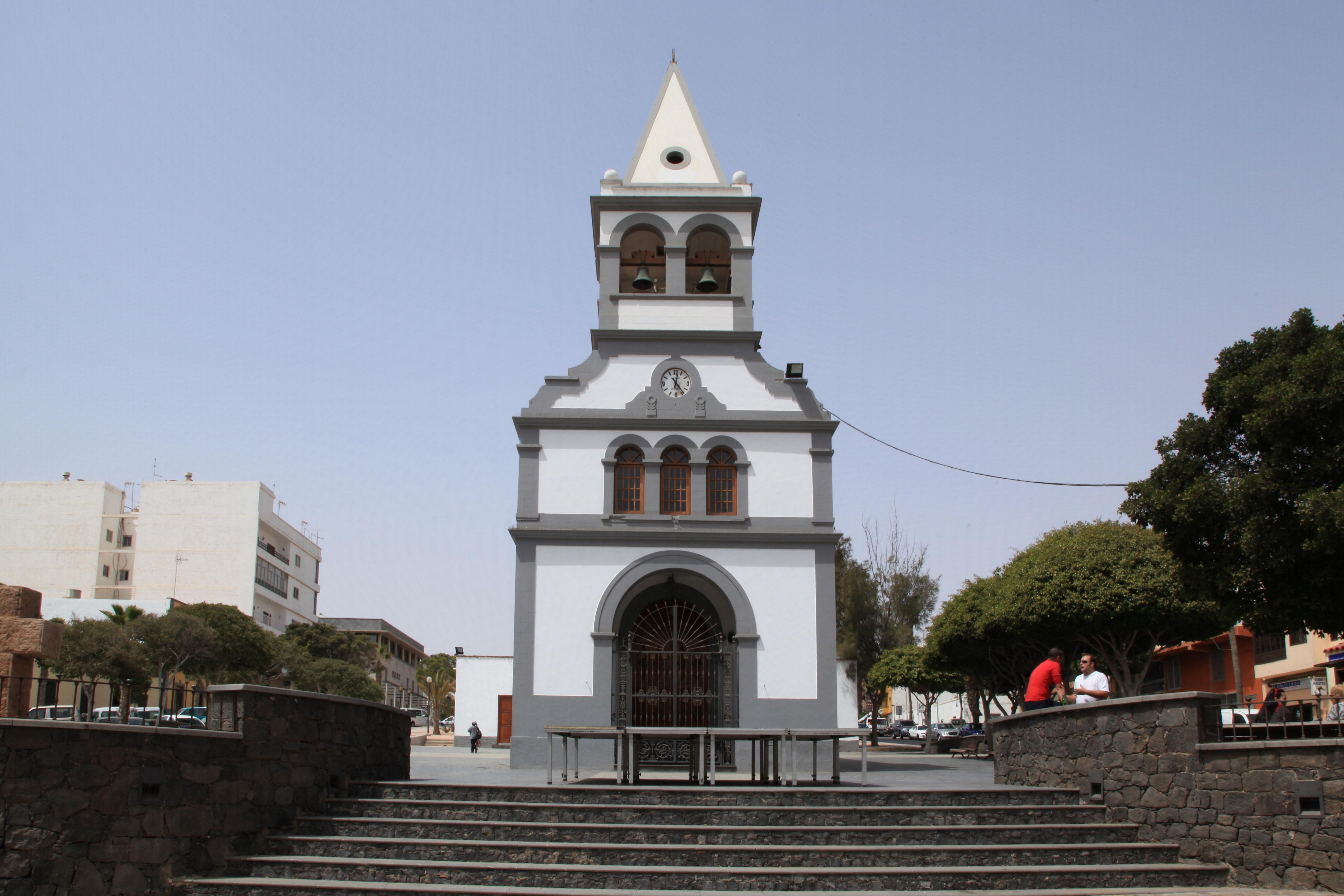 File puerto del rosario iglesia de nuestra se ora del rosario ex 02 wikimedia commons - Pension puerto del rosario ...