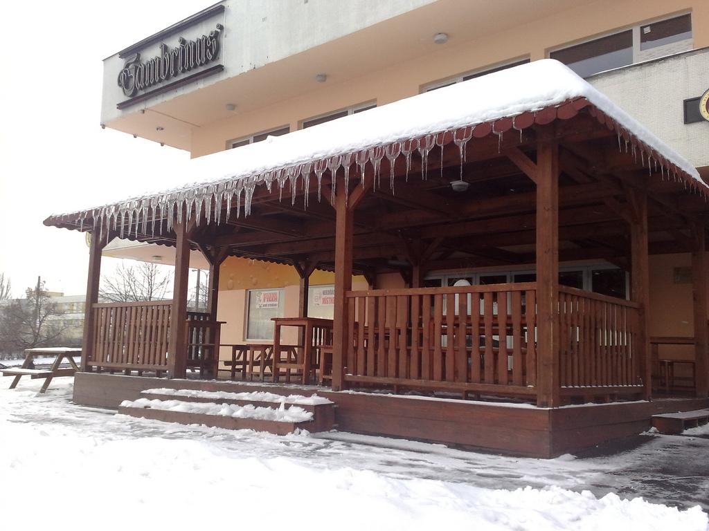 Pub Nad Restaurant Share Same Kitchen Best Duck Prague
