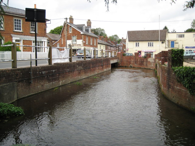 River Avon in Pewsey - geograph.org.uk - 1401701
