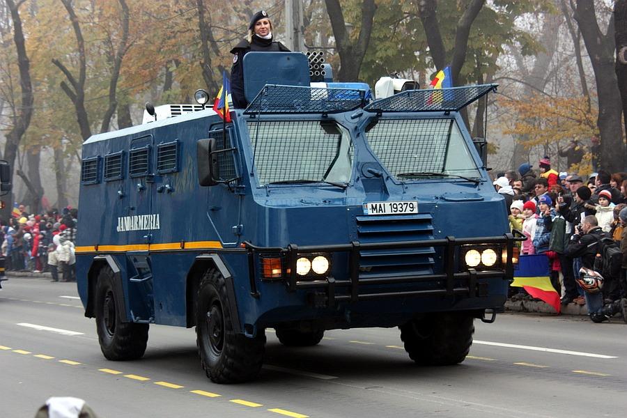 Zaljubljivanje Romanian_police_truck