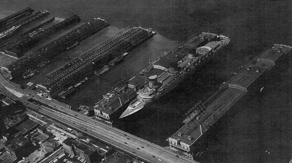 File:SS Normandie Pier 88 1941.jpg