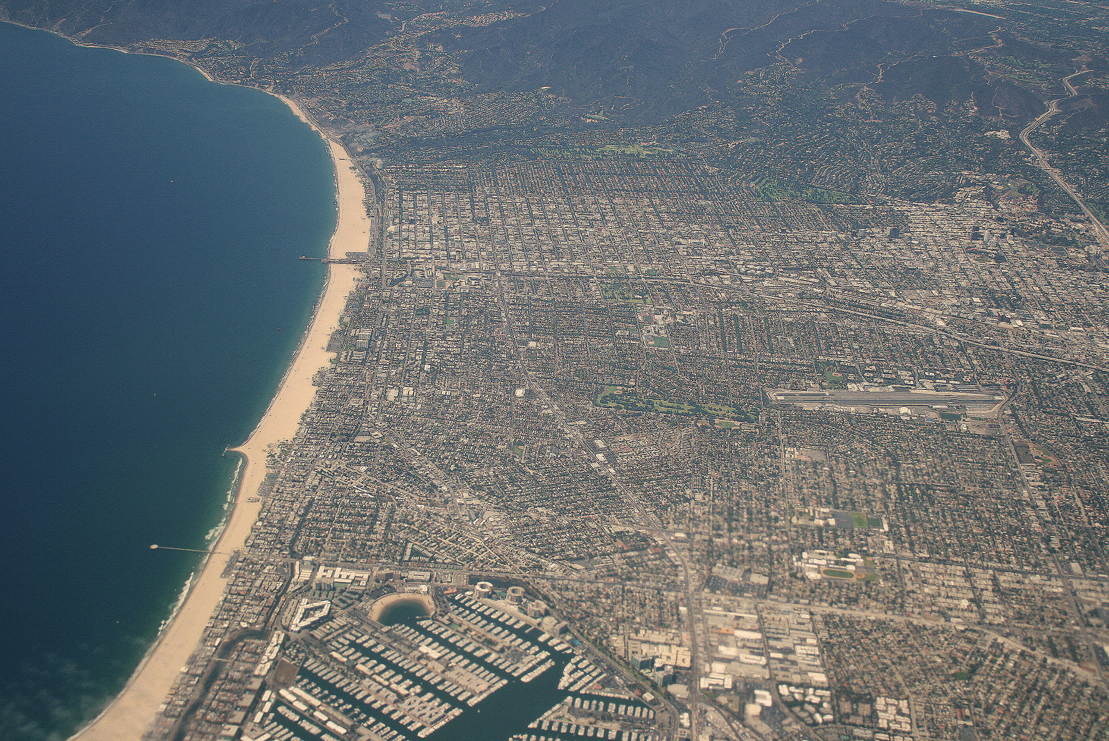 File santa monica aerial view wikimedia commons for 11 marine terrace santa monica